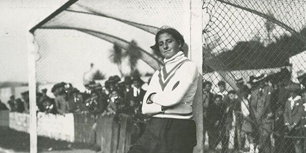 Η πρώτη γυναίκα σε ανδρική ομάδα – «Για να ξέρουν όλα τα κορίτσια που παίζουν ποδόσφαιρο τι συνέβη»