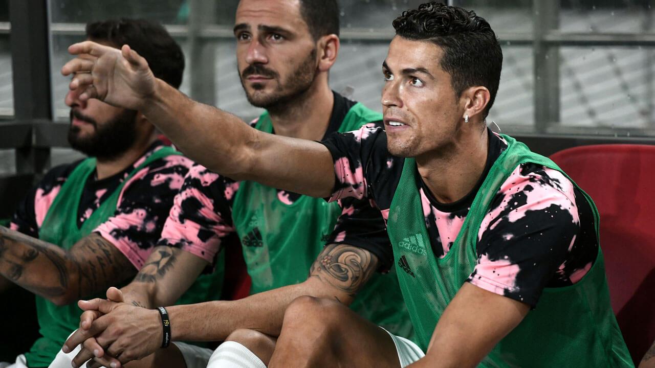 South-Korean-soccer-fans-sues-over-Ronaldo-benching