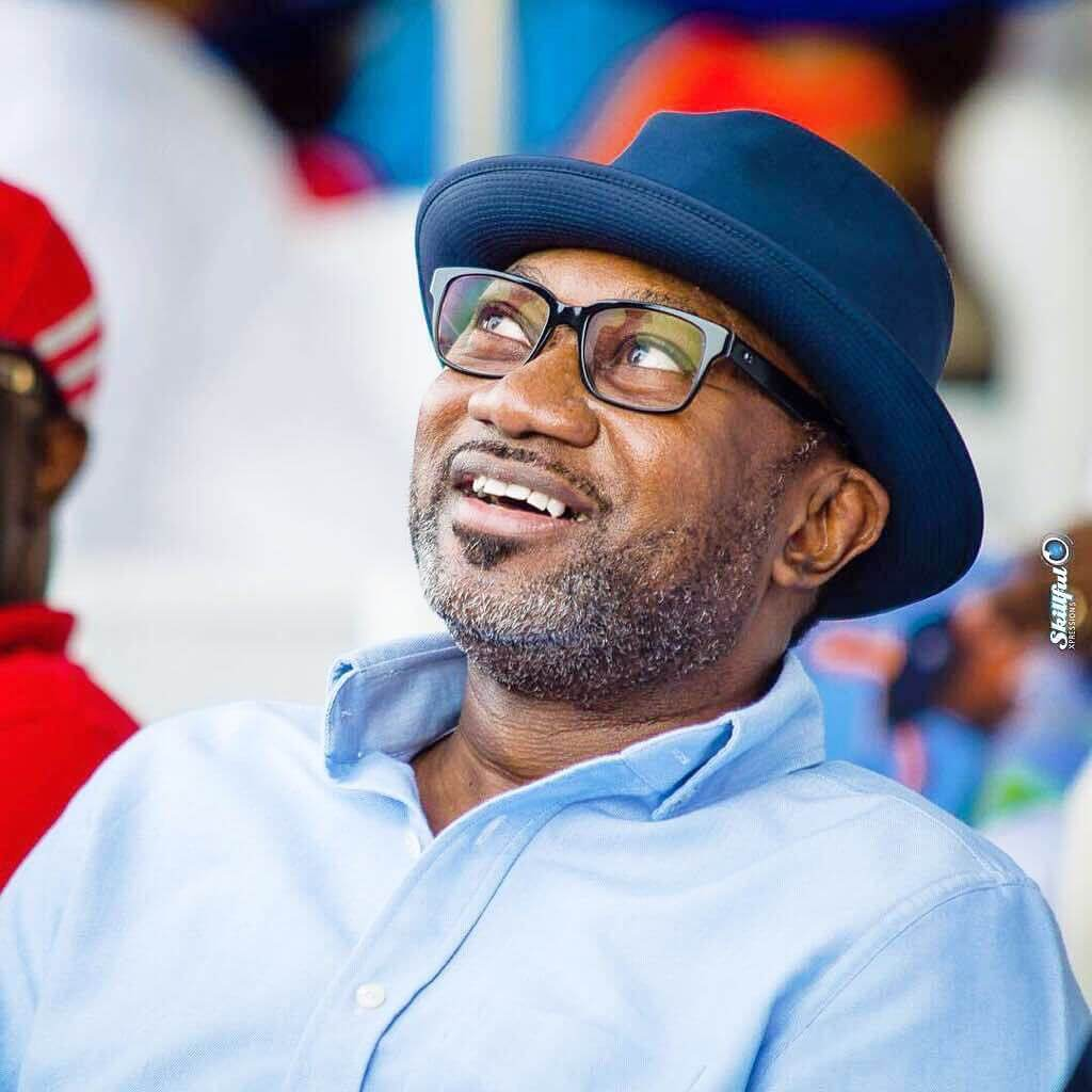 Otedola-redeems-$25,000-pledge-to-Super-Eagles