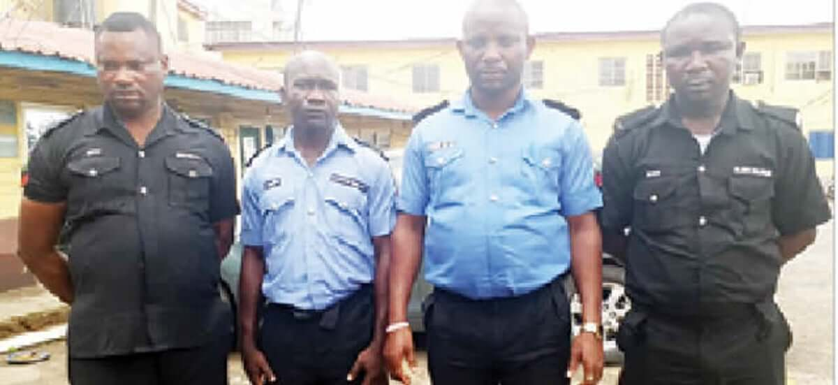 Four-policemen-remanded-for-killing-phone-thieves