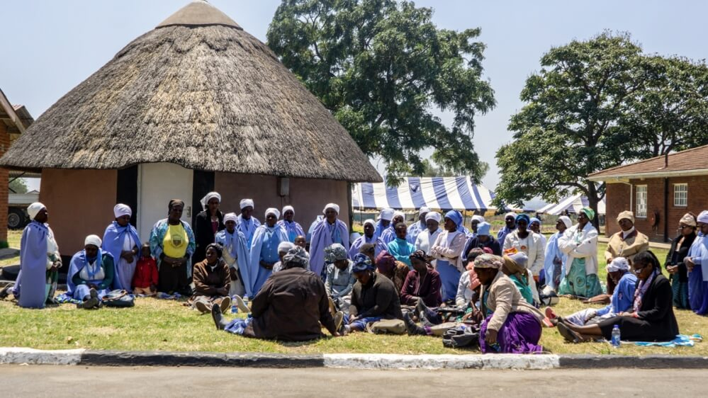 In-his-village,-Robert-Mugabe-mourned-as-a-hero