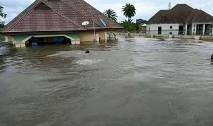 Akeredolu-shuts-schools-down-due-to-flood