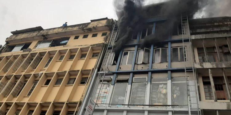 Lagos-Island-popular-market,-Balogun-catches-fire
