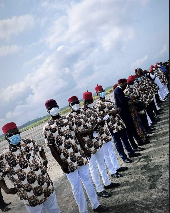 Buhari being received in Owerri