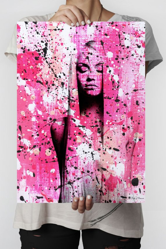 Venus poster |Abstract art print made from acrylic paint with digital modifications.By combining analogue and digital techniques we have created a special edition of poster art for your home. These art prints are painted with acrylic paint on canvas and modified digitally by our designteam.