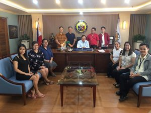 Iloilo Bloggers Society with Mayor Jerry Trenas