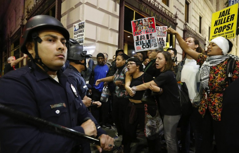 Mass Protest and L.A. Cop Line Nov 26, 2014