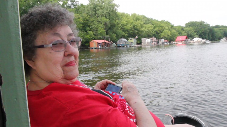 Louise on the Shantyboat0