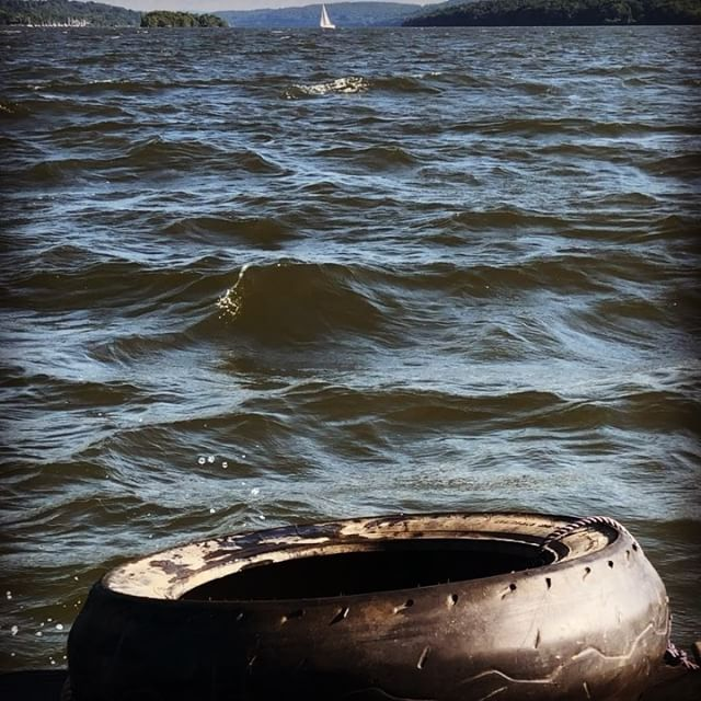 This looks like nothing, but when you're in a boat with 10 inches of freeboard and you have a 10 mph following wind and associated waves against a strong upstream tidal current, it is decently terrifying. #shantyboat #LittleBigWaves