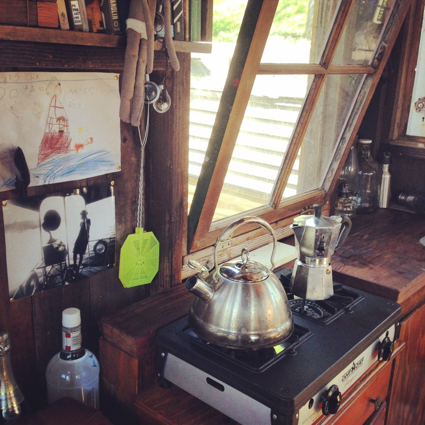 The tiny galley of the shantyboat Dotty.