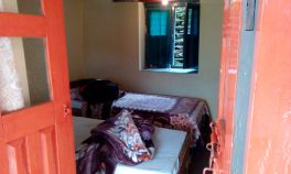 Guest house room at Chomrong