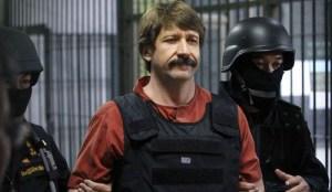 """El tayiko Viktor Bout, """"el mercader de la muerte"""", permaneció dos años arrestado en Tailandia antes de ser extraditado a EE.UU y condenado a 25 años de prisión."""