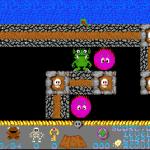 Bone Cruncher Amiga Debes manipular los obstáculos para recorrer el laberinto y completar el nivel.