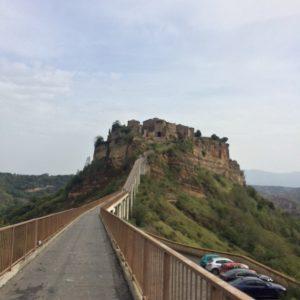 「天空の城ラピュタ」のモデルとされるチヴィタ