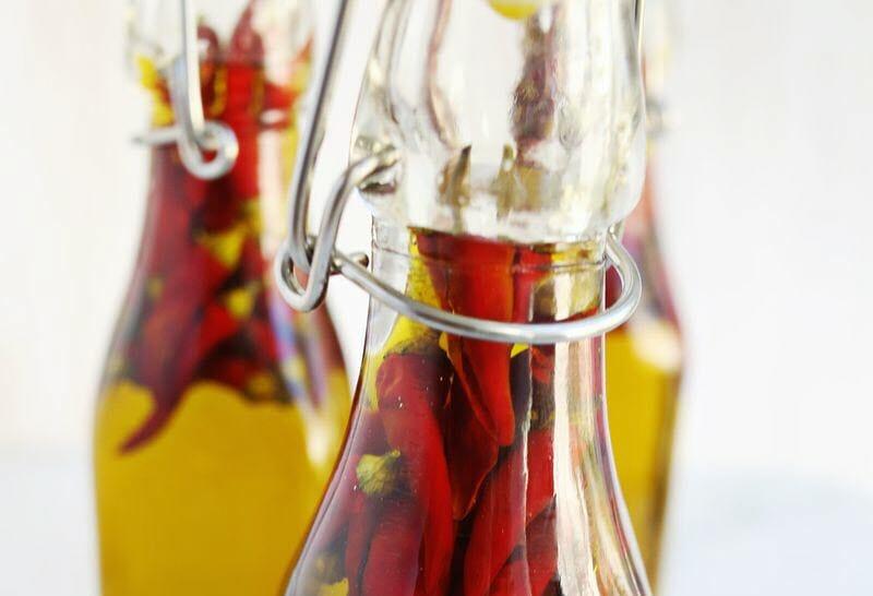 Olio Piccante peperoncini a galla