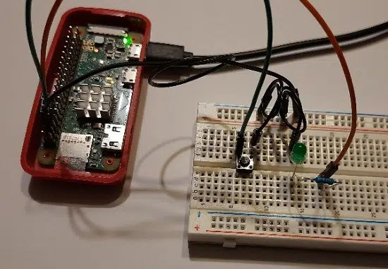 Raspberry PI mini switch button running led off