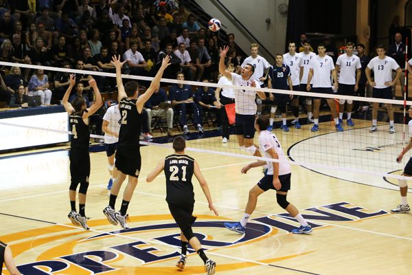 Pepperdine Men's Volleyball Advances to MPSF Semifinals ...