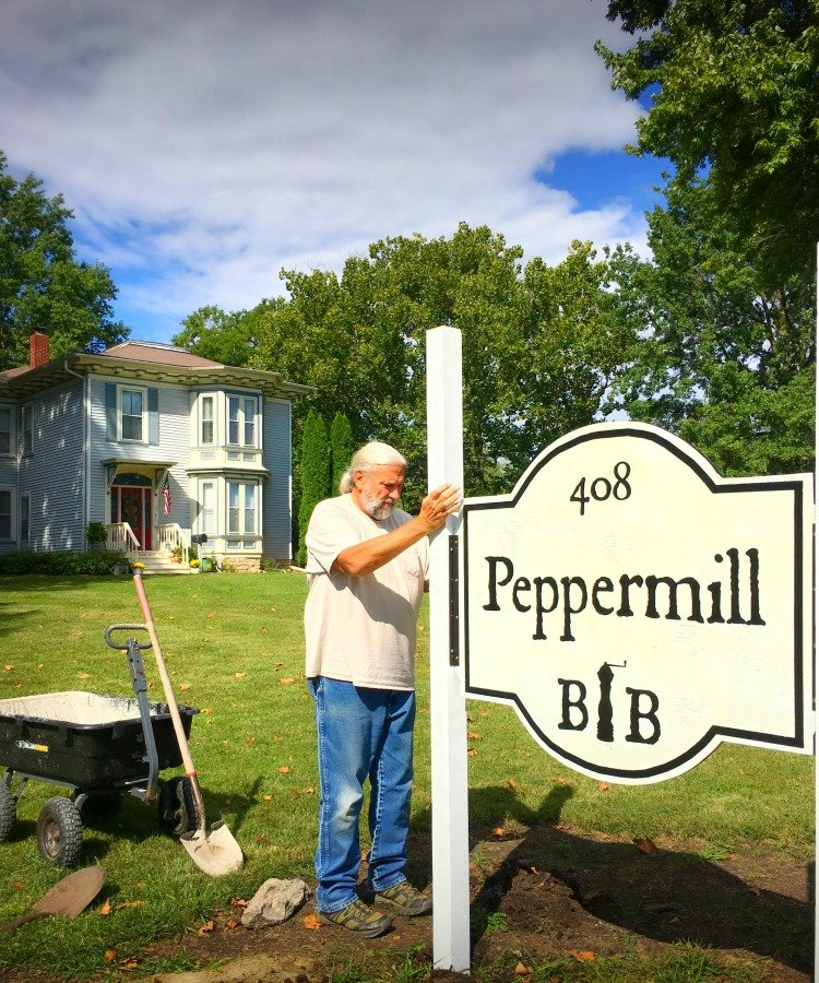 We have a SIGN!!!-peppermillbnb-sign