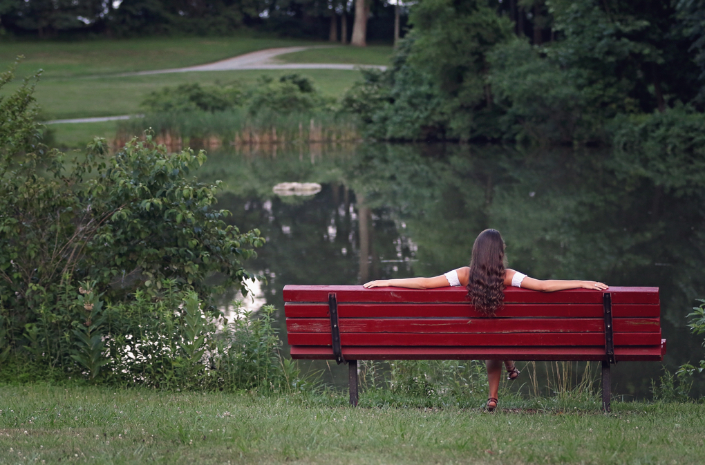 1020 - back-bench-environment-1205717