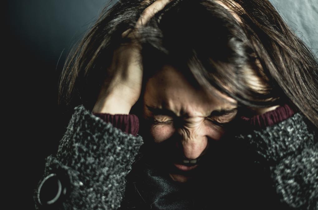 1020 - brunette-emotions-face-2128817