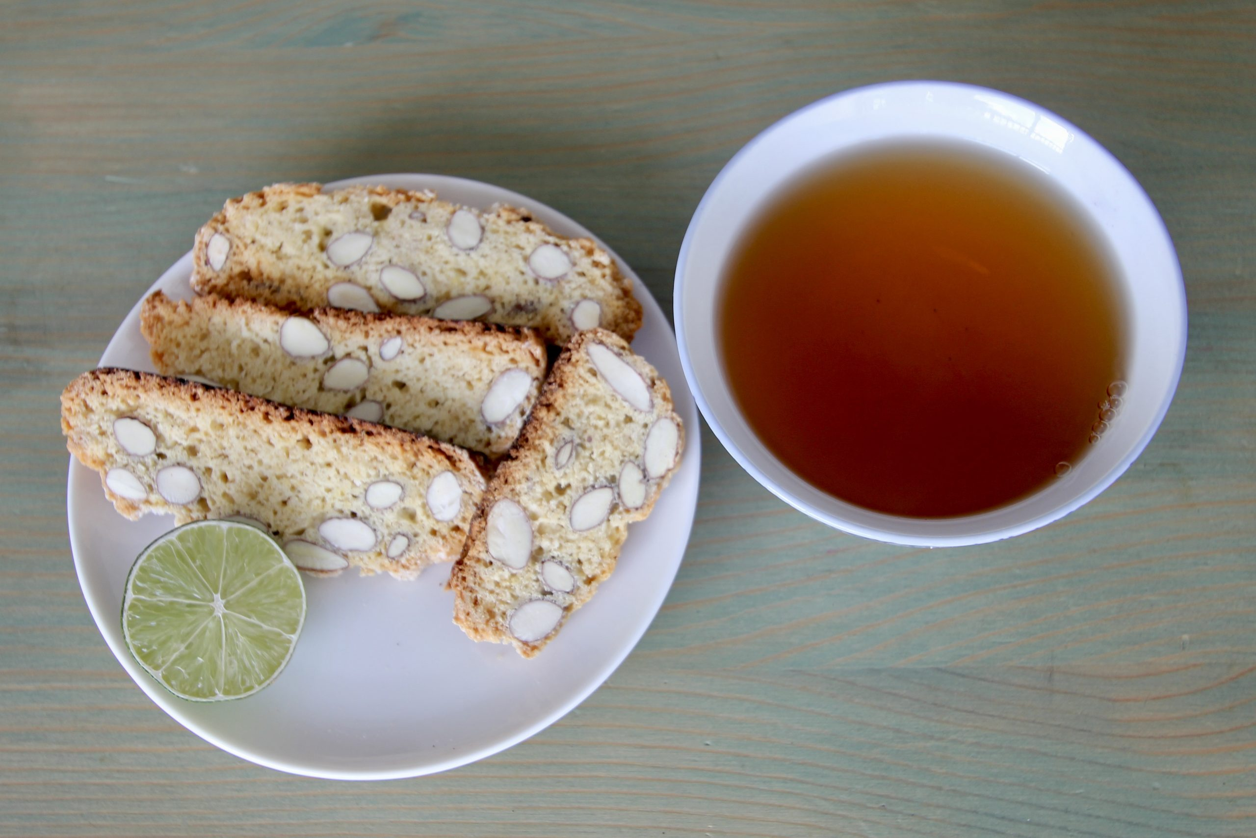 Tea with Cantucci
