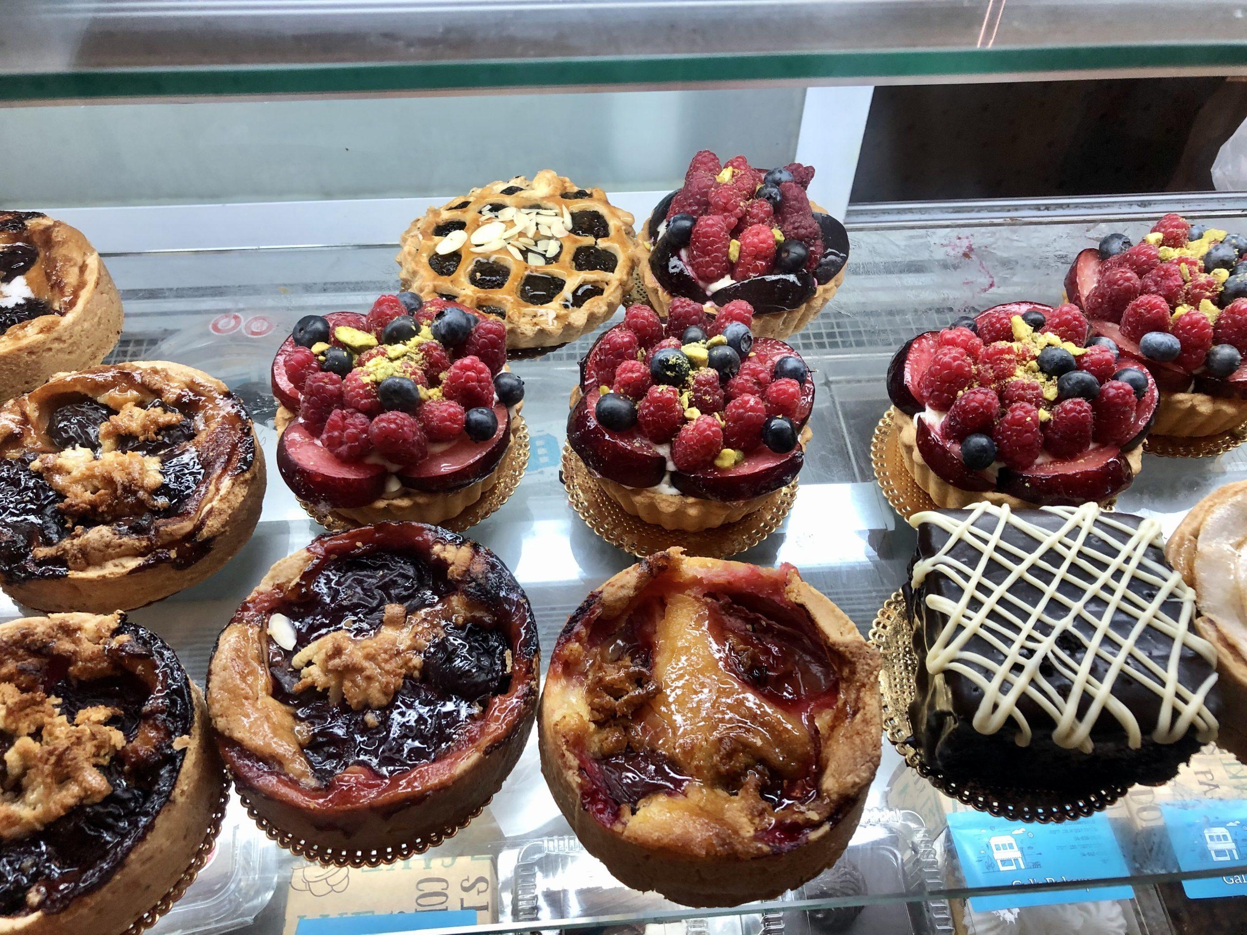 Desserts in Gal Bakery, Haifa