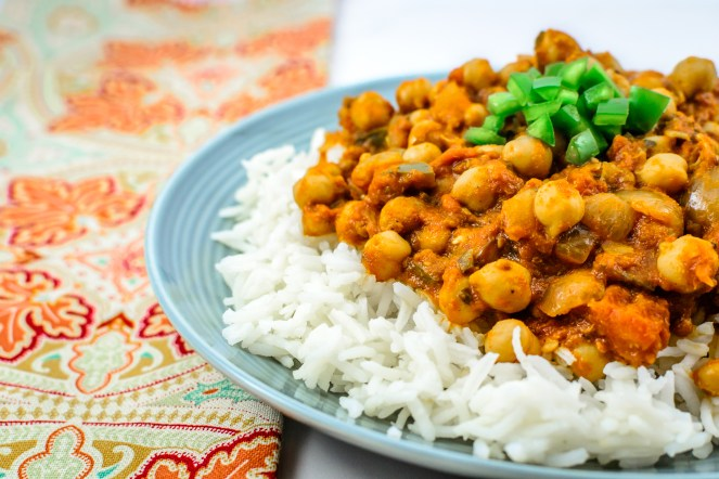 chickpea-curry-chana-masala-indian-dish-budget-friendly