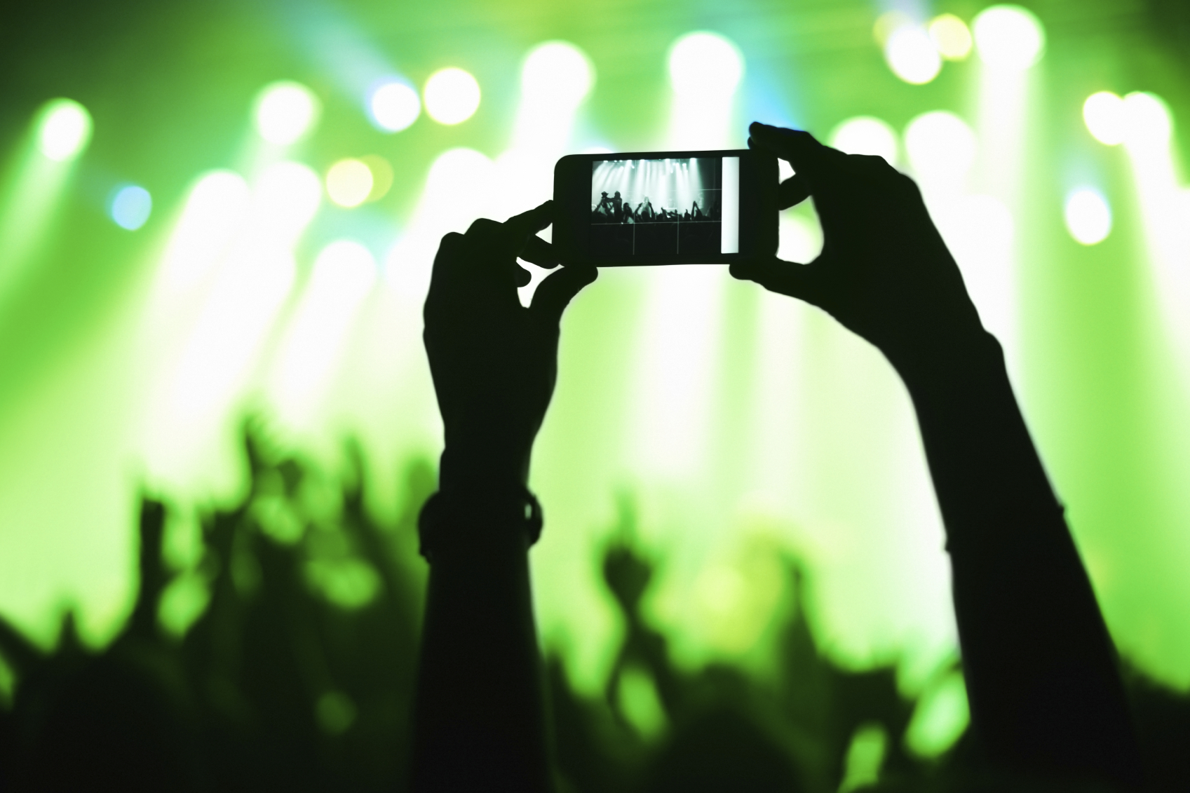 Why Live Mobile Video Apps Are Trending In a Big Way