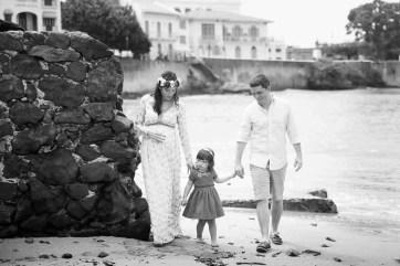 Caminando en la Playa- Maternidad- Peppophotography