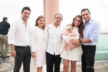 Familia y bebe -Peppophotography