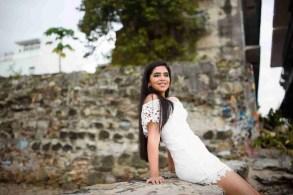 Eesha Pre Quince - Sentada cerca de la playa-Peppo Photography