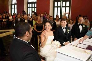 Novia Feliz lista para casarse-Peppo Photography