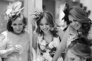 Retrato Blanco y Negro de Invitadas del Bridal Shower