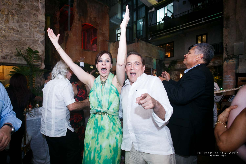 Ellos tambien disfrutan el enlace de Johanna y Jorge