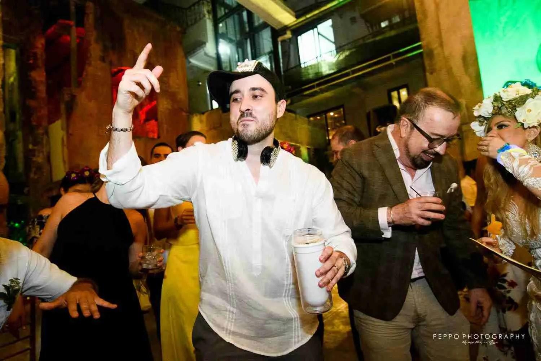 Jorge encantado con su fiesta de boda civil
