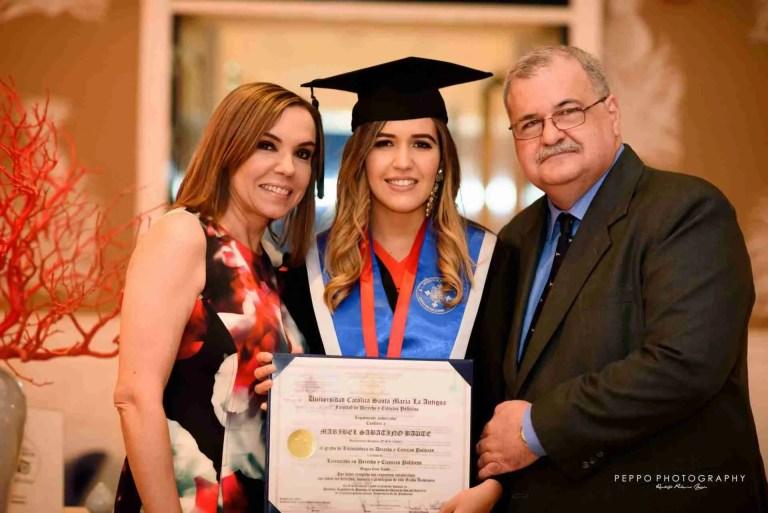 Sesión de retratos de graduación-Familiar