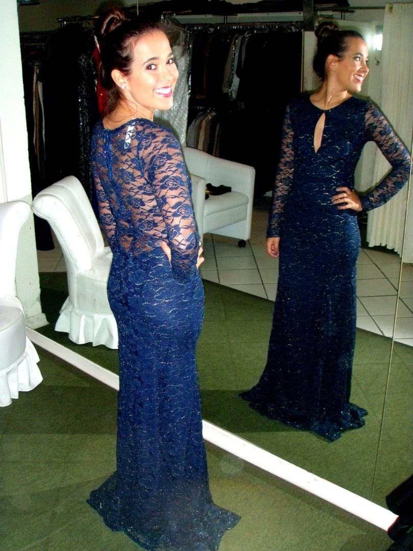 vestido-longo-de-renda-com-manga-azul-escuro