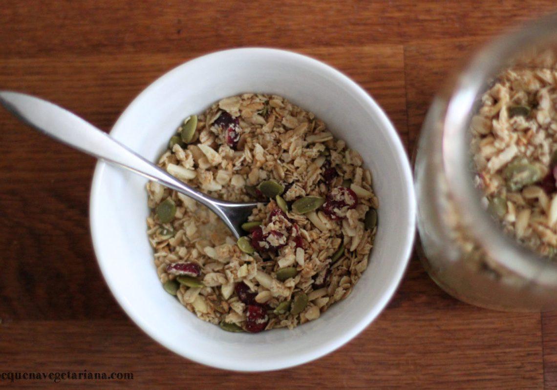 Receita de granola com aveia, cranberry e semente de abóbora