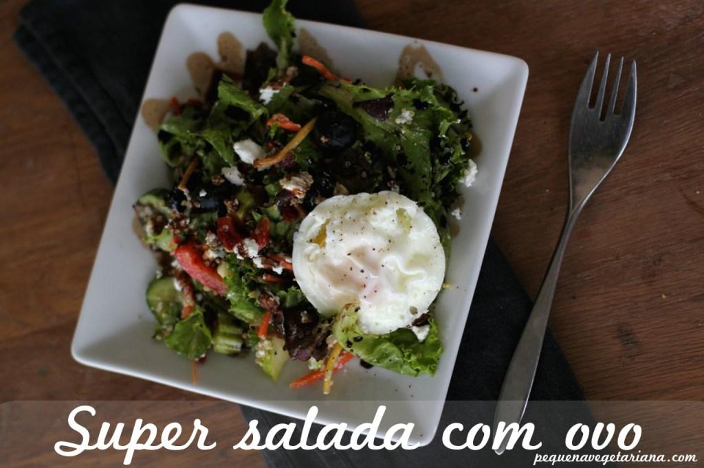 Receita: Super Salada com ovo