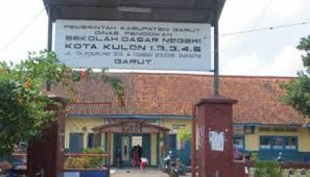 Diduga Dintimidasi dan Ditakuti, Para Ortu Siswa di Garut Mengeluh Pungli di Sekolah