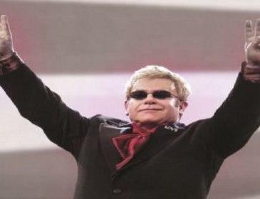 Elton John Bakal Gegarkan Arena of Stars