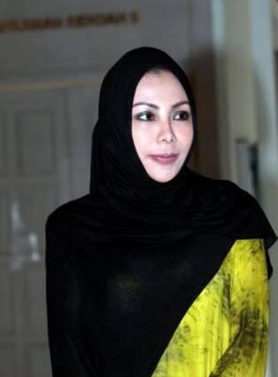 Noniswara Sah Bercerai