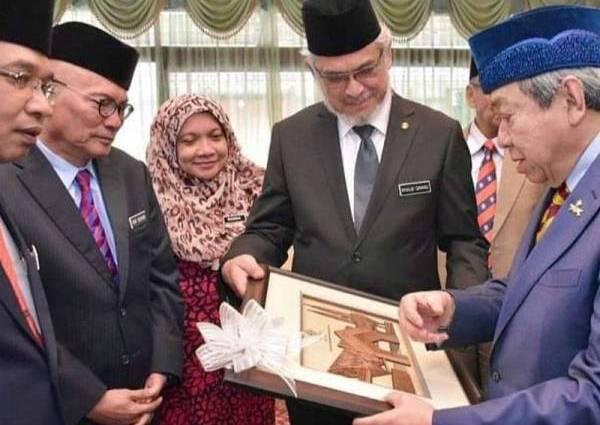Sultan Selangor Perkenan Kampung Baru Dibangunkan