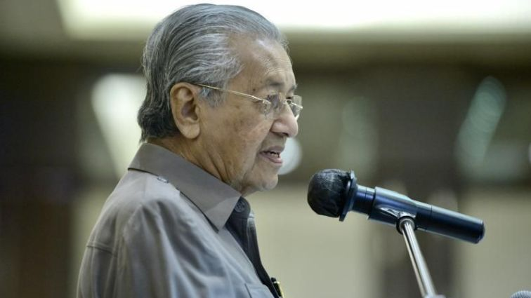 Tun M Serba Salah Bertanding PRU15