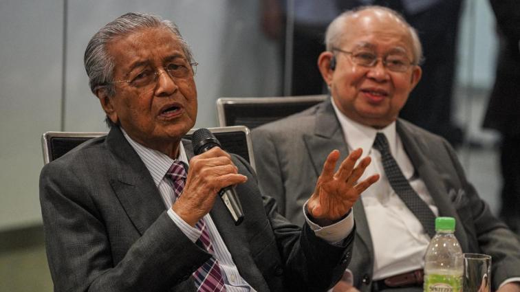 Veteran Umno usul Ku Li ajak Dr M masuk Umno semula