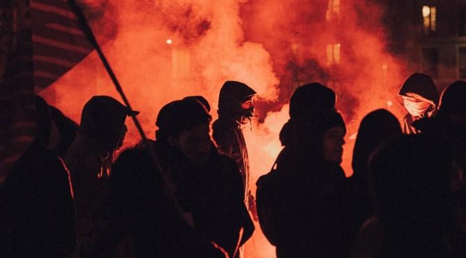 Det falske oprør i USA tjener kun de skruppelløse magthavere
