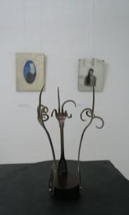 Dance of fuckfingers; posrebreni metal, bakine vilice, 2005.