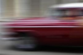 Brut Carniollus - Street gliding in Cuba, fotografija, digitalni UV print na Fabriano, 50x40cm na 70x50cm, 2012.
