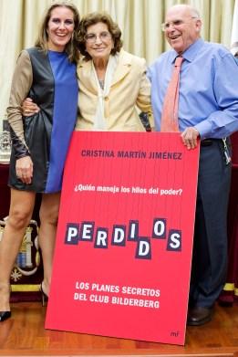 Cristina Martín Jiménez y sus abuelos en presentación de PERDIDOS en Ateneo Sevilla