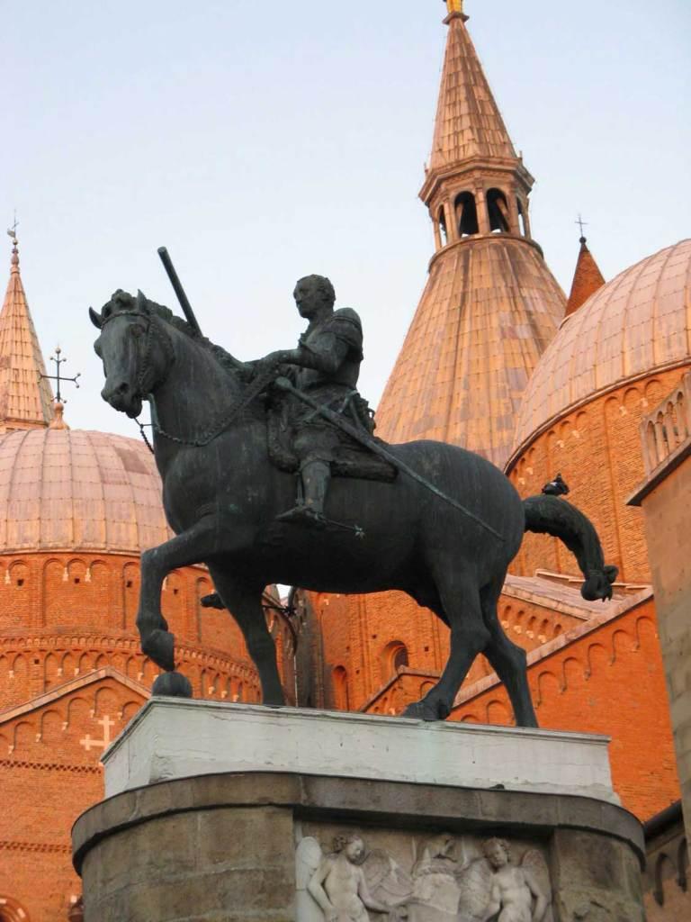 Pomnik Konny, Donatello, Piza